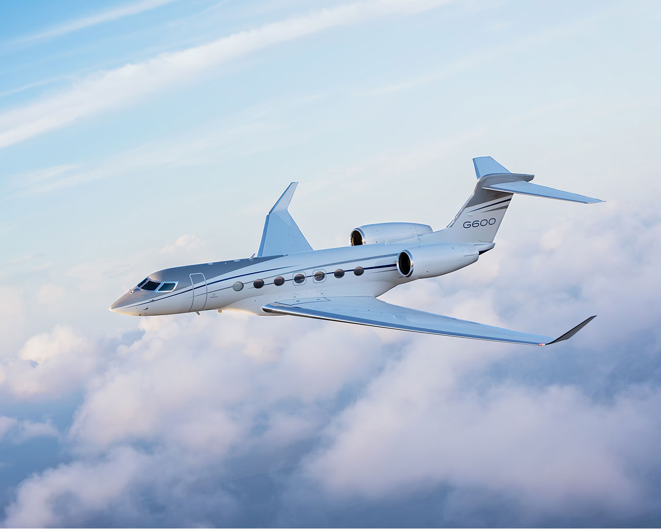 G600 flying in the clouds