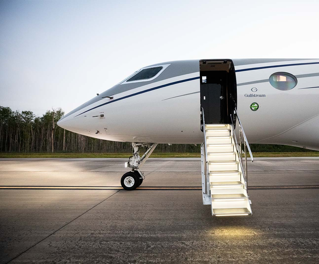 Gulfstream G500 aircraft exterior with stairs extended.
